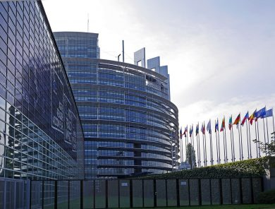 Európski ministri zachránili regulované ceny energií.