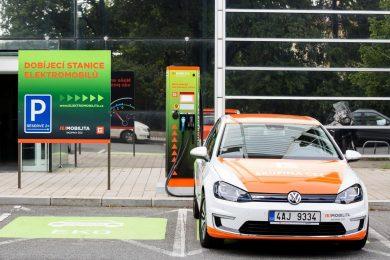 ČEZ ponúka nabíjanie elektromobilov iba zelenou energiou