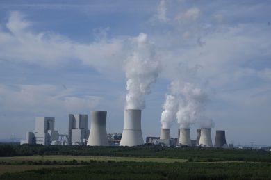 Vláda zastaví výstavbu nového atómového reaktoru